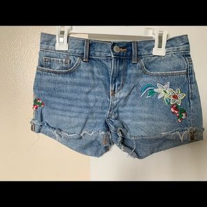 Old Navy embroidered shorts for girls